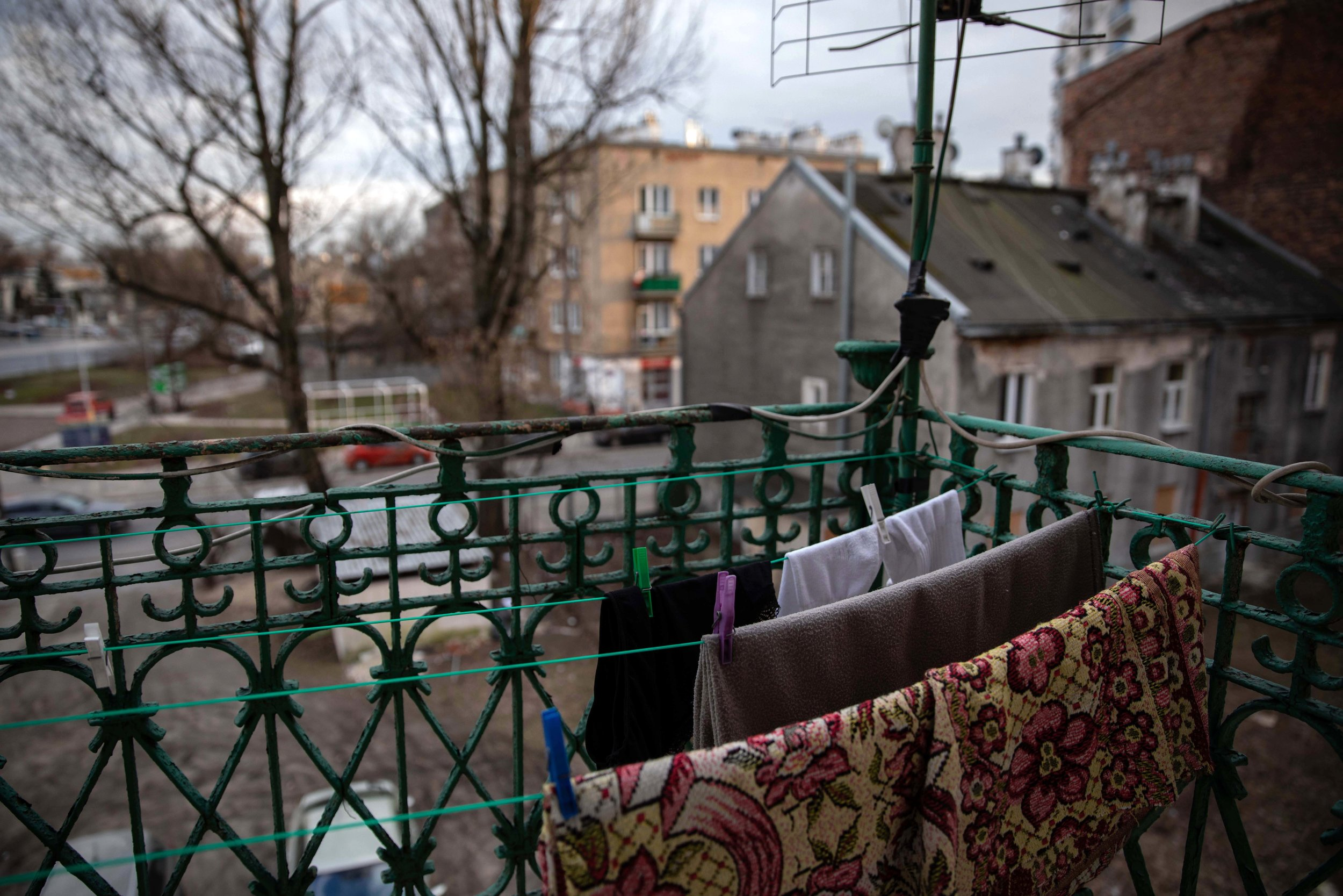 WARSAW • Even when it is near O°C, the Kowalskis dry their laundry outdoors -- otherwise, clothes simply become another breeding ground for mold.
