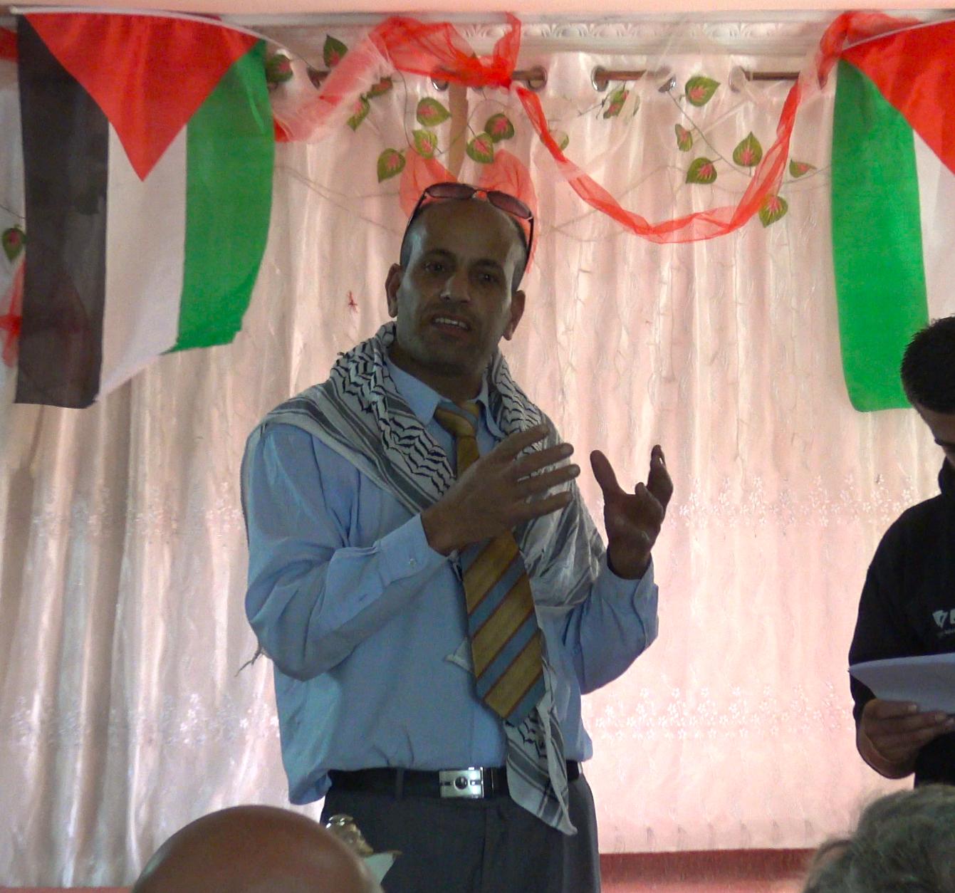 Abed Rachman tijdens de ceremonie na het planten van 1100 bomen in Far'ata