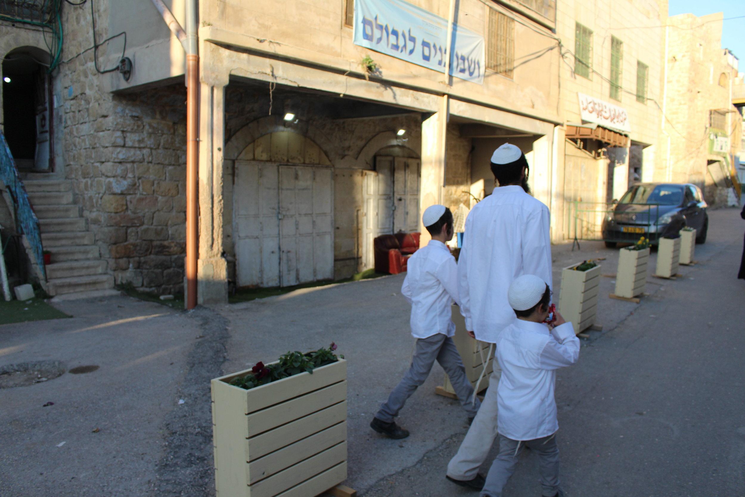 Hebron - bezetting is overal zichbaar 3.JPG