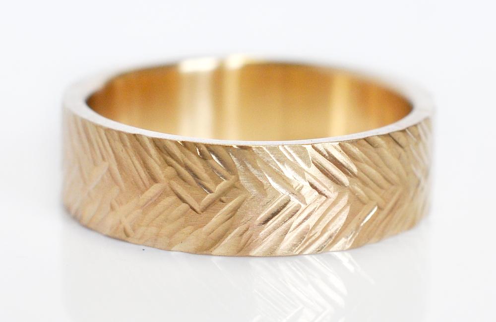 Hammered-wedding-band-Feather-texture-14k-yellow-gold-ECdesign-john.jpg