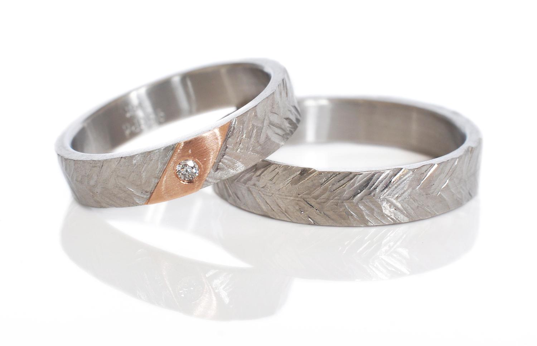Kevyn-Donnie-hammered-wheat-band-wedding-bands-palladium-14kp-flushsetDiamond
