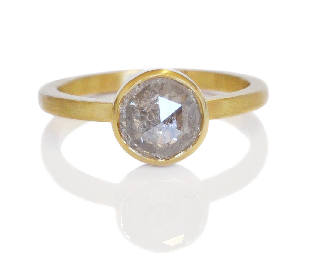 Robyn-David-18ky-ice-Diamond-RC-bezel-satin2.jpg