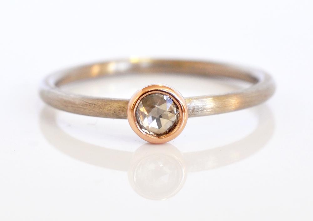 soli-RC-Rsd0012-white-rosecut-diamond-14kpbezel-1.6mm14kpdw2.jpg