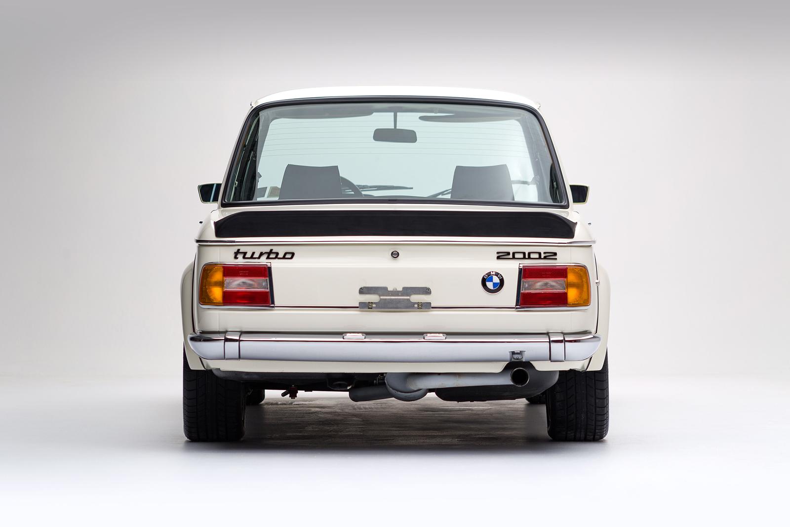 ClassicDotCom_BMW_2002_Turbo_03.jpg