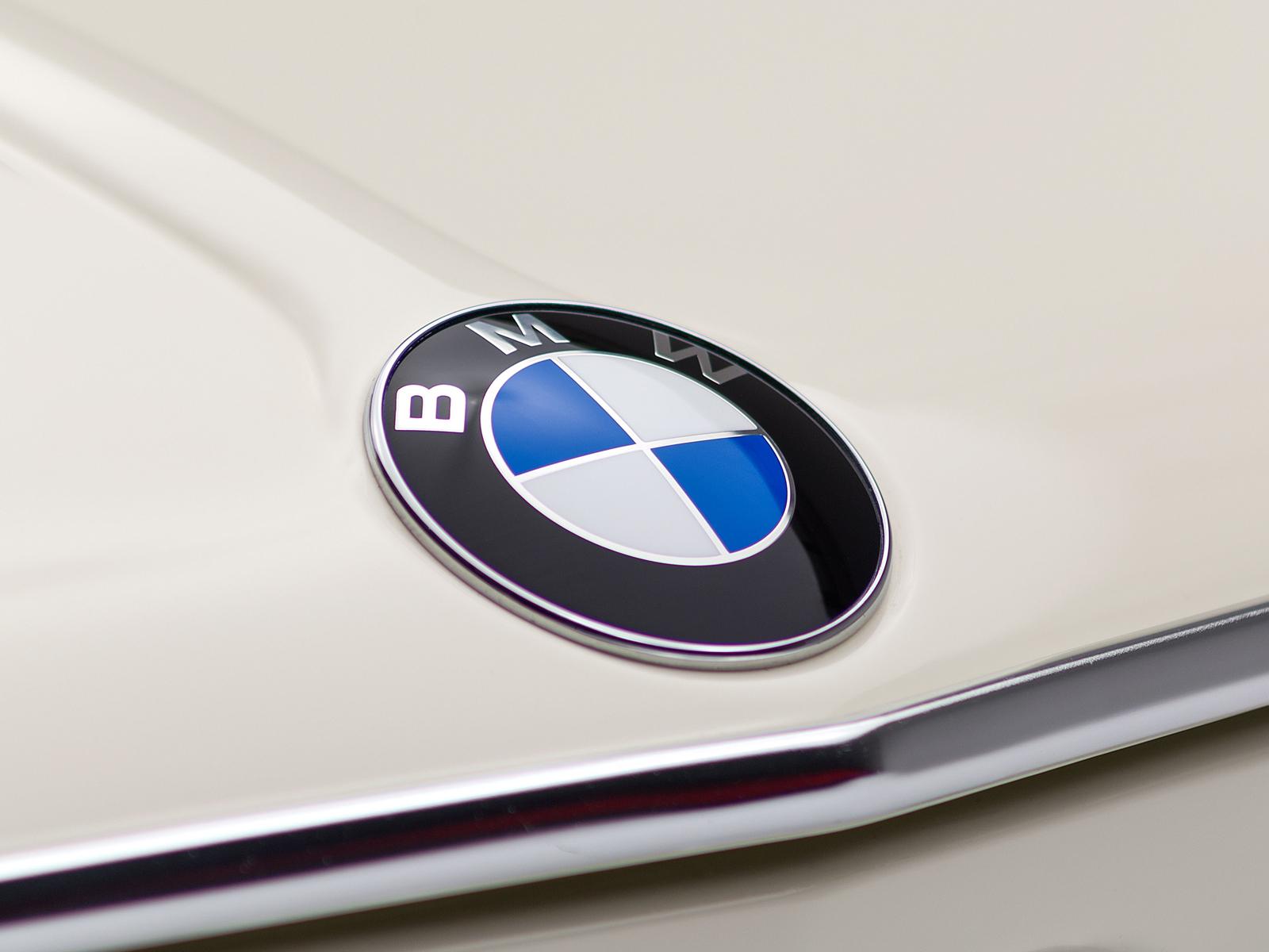 ClassicDotCom_BMW_2002_Turbo_07.jpg