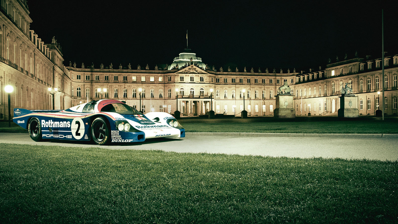 1614105_once_the_residence_of_kings_and_princes_the_porsche_956_c_pays_a_visit_to_the_neues_schloss_in_stuttgart.jpg