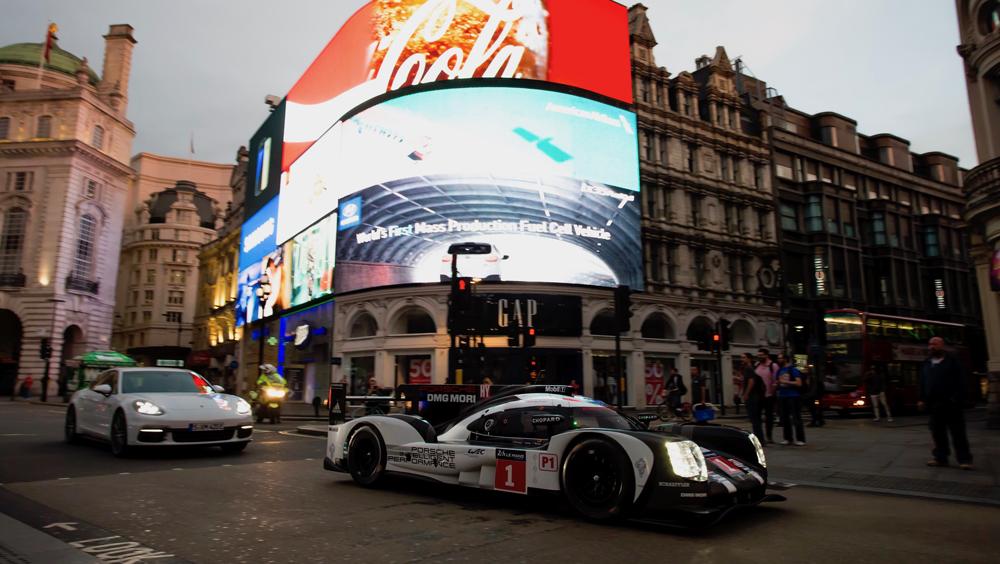 1075040_919_hybrid_panamera_4_e_hybrid_london_2016_porsche_ag.jpg