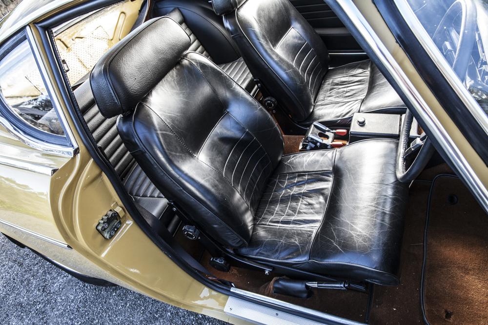 1972 Volvo P1800E  Chassis no. 184352U2.jpg