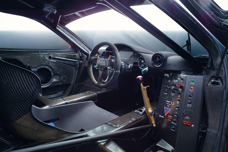03. GTR_Interior.jpg