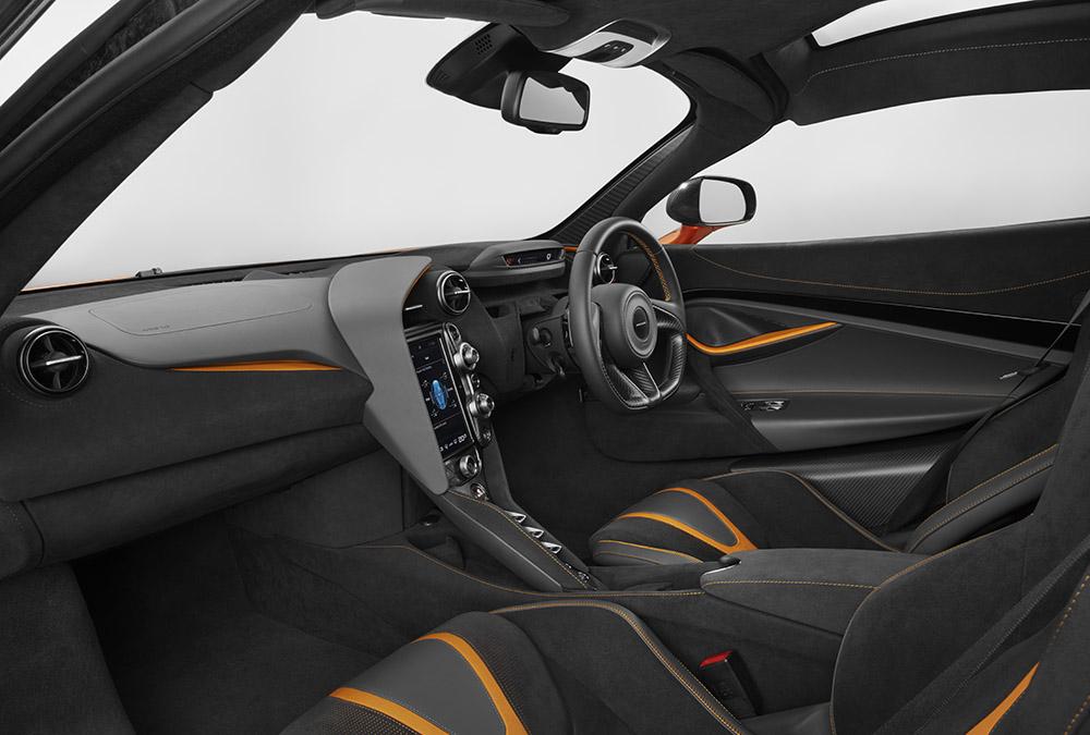 McLaren 720S-27-Interior.jpg