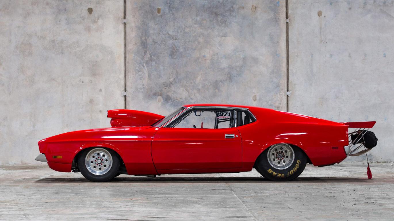 Mustang_Drag_0001_Layer 10.jpg