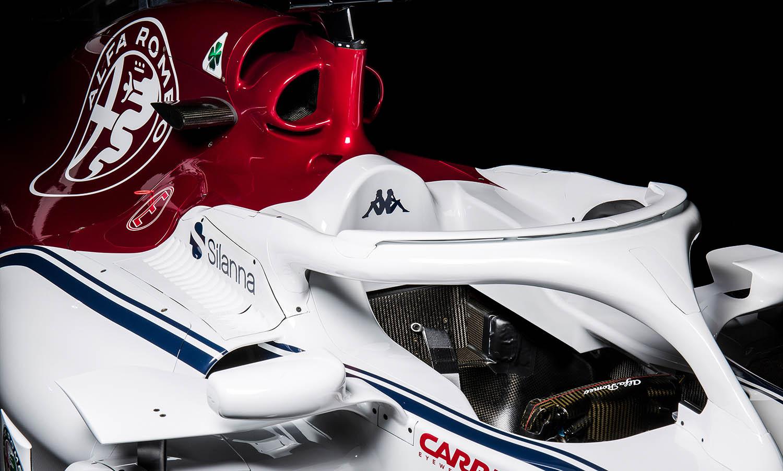 Alfa-RomeoClose_Up_Cockpit_Back2.jpg