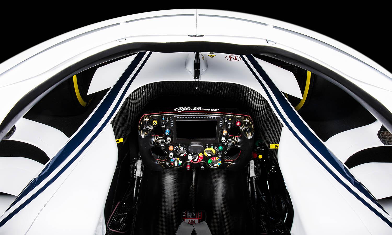 Alfa-RomeoClose_Up_Cockpit_Top.jpg