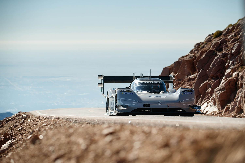Romain_Dumas_F_Volkswagen_I.D._R_Pikes_Peak-Large-8486.jpg