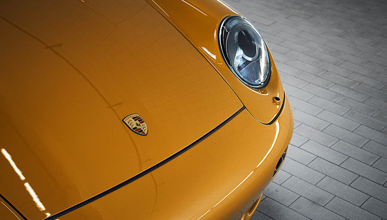2018-Porsche-911-Turbo--Classic-Series-Project-Gold-_4.jpg