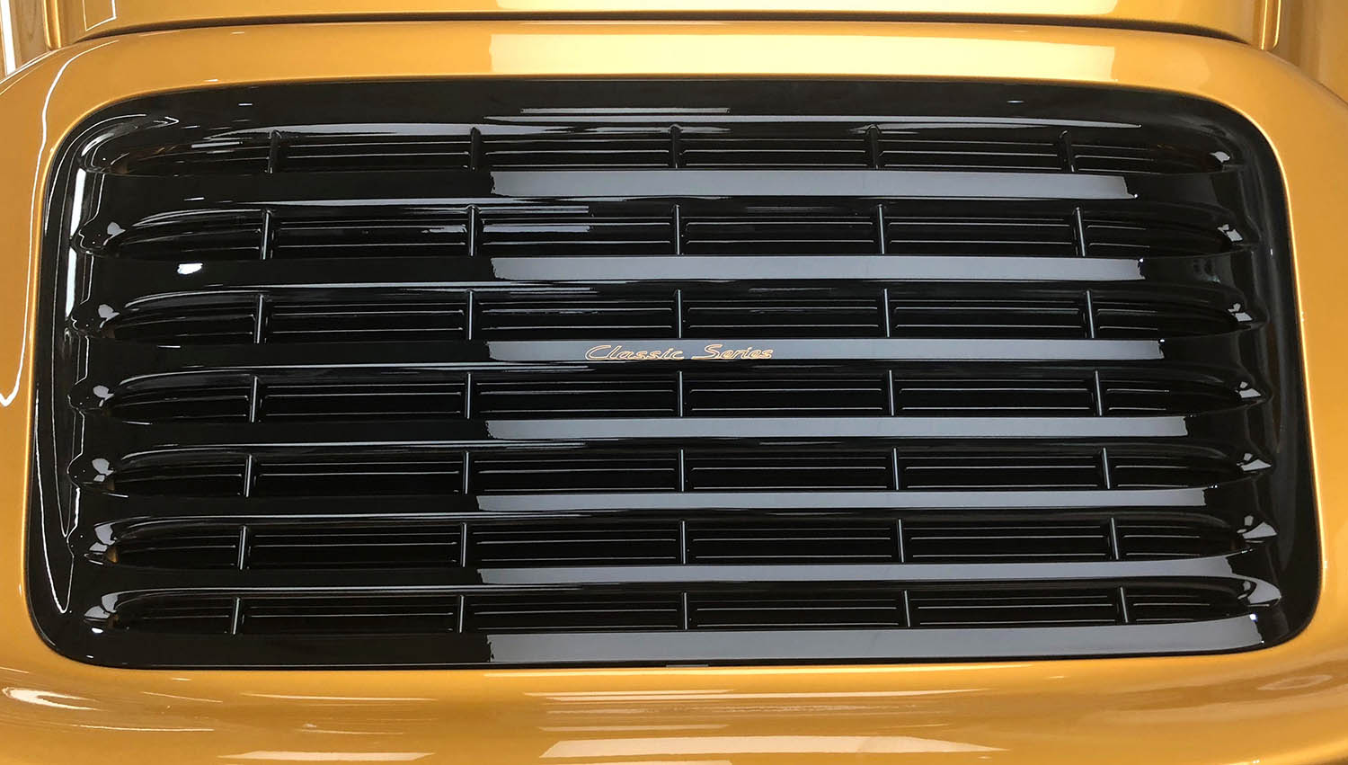 2018-Porsche-911-Turbo--Classic-Series-Project-Gold-_7.jpg