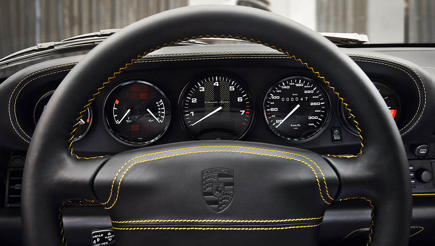 2018-Porsche-911-Turbo--Classic-Series-Project-Gold-_9.jpg