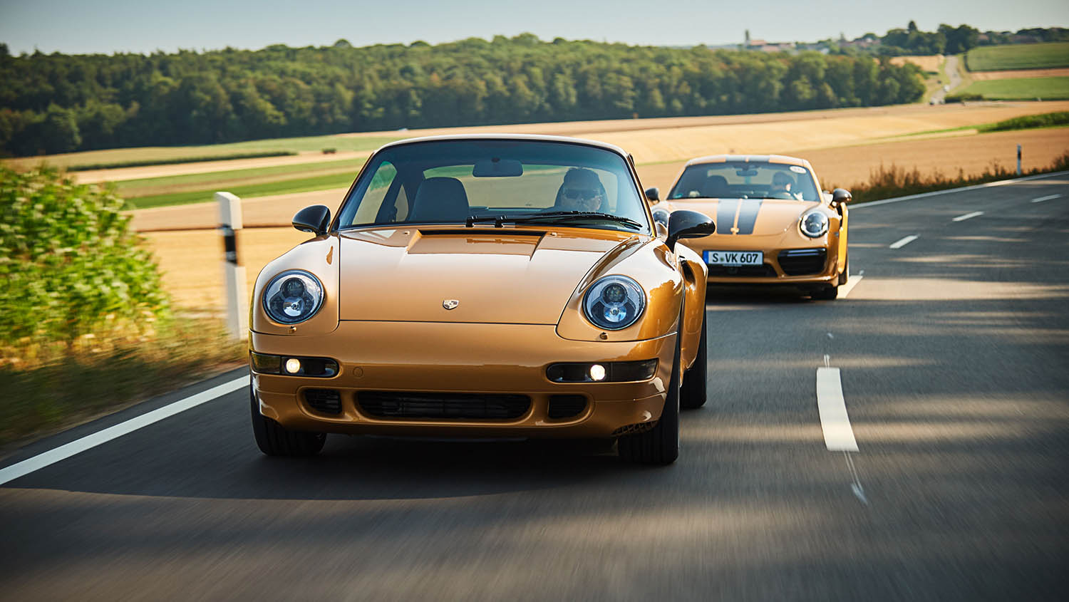 high_993_turbo_the_reveal_classic_project_gold_2018_porsche_ag.jpg