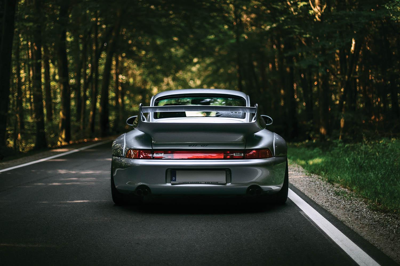 1996-Porsche-911-GT2_8.jpg