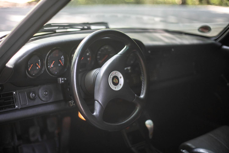 1996-Porsche-911-GT2_9.jpg