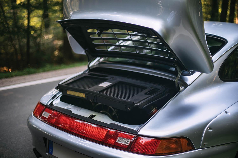 1996-Porsche-911-GT2_23.jpg