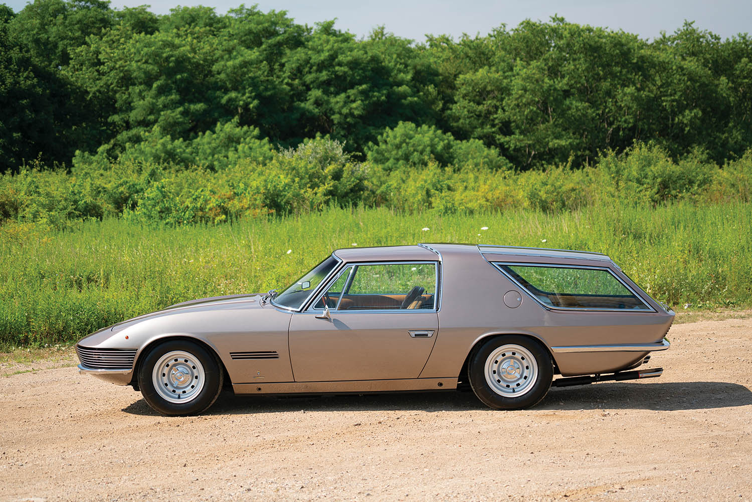 1965-Ferrari-330-GT-2-2-Shooting-Brake-by-Vignale_4.jpg