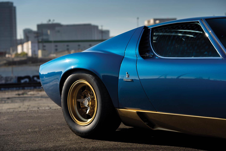1971-Lamborghini-Miura-P400-SV-by-Bertone_19.jpg