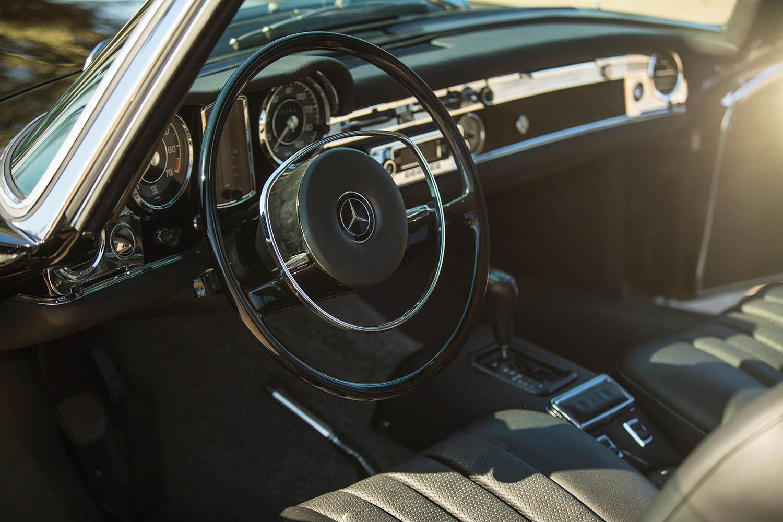 1970-Mercedes-Benz-280-SL--Pagoda--Custom_3.jpg