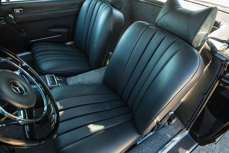 1970-Mercedes-Benz-280-SL--Pagoda--Custom_22.jpg