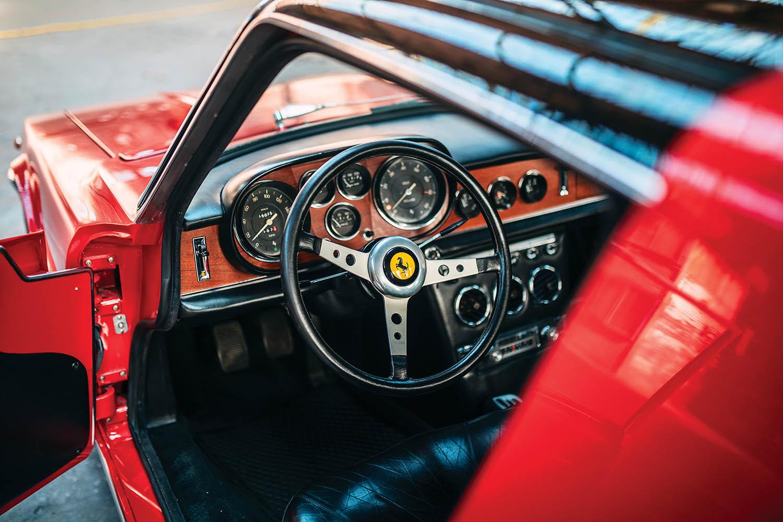 1967-Ferrari-330-GTC-Zagato_22.jpg