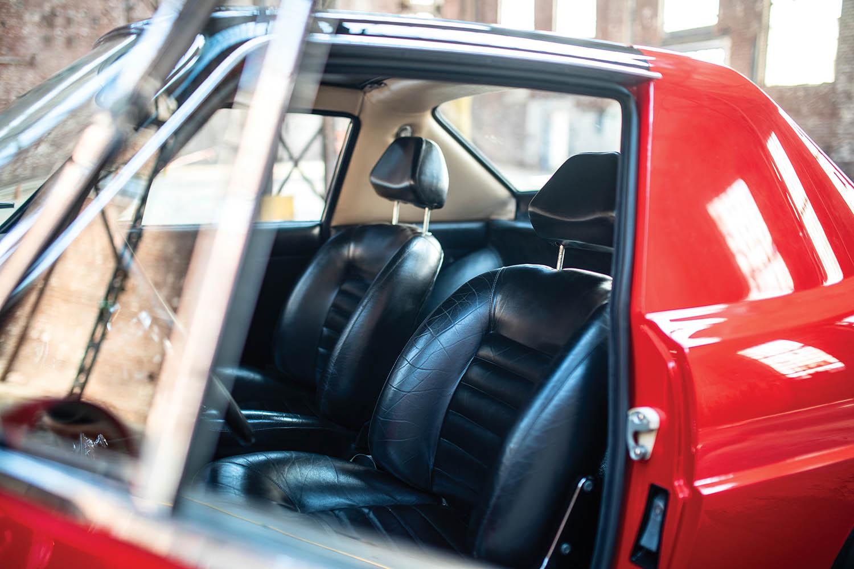 1967-Ferrari-330-GTC-Zagato_19.jpg