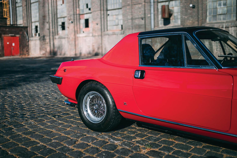 1967-Ferrari-330-GTC-Zagato_15.jpg