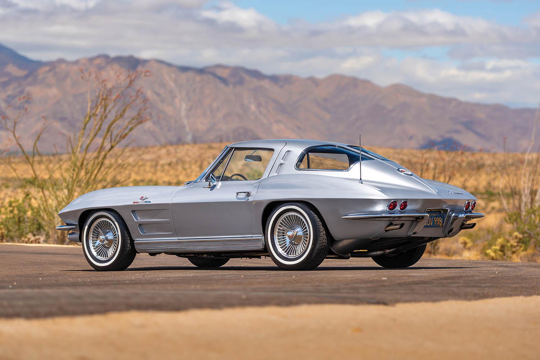 1963-Chevrolet-Corvette-Sting-Ray--Fuel-Injected-_1.jpg
