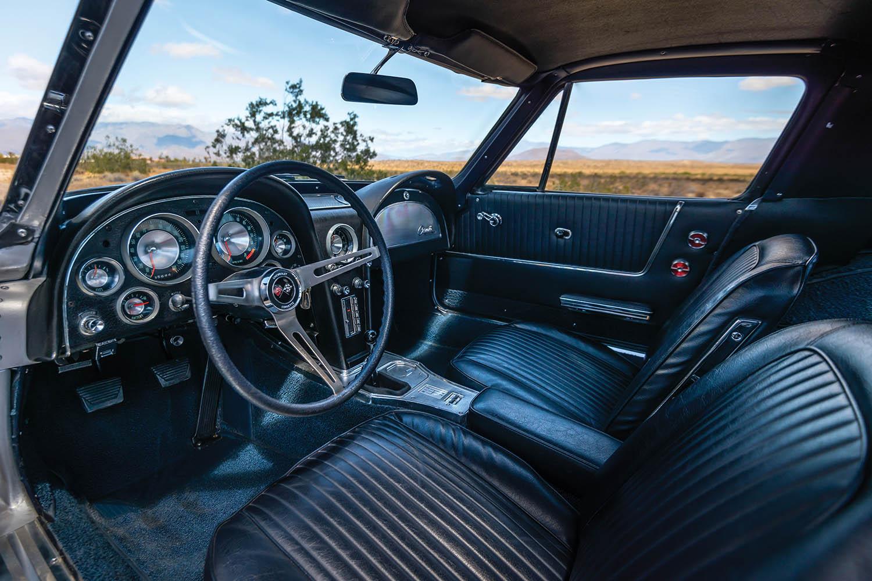 1963-Chevrolet-Corvette-Sting-Ray--Fuel-Injected-_3.jpg