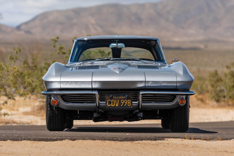 1963-Chevrolet-Corvette-Sting-Ray--Fuel-Injected-_8.jpg