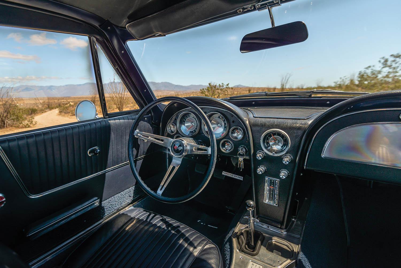 1963-Chevrolet-Corvette-Sting-Ray--Fuel-Injected-_10.jpg