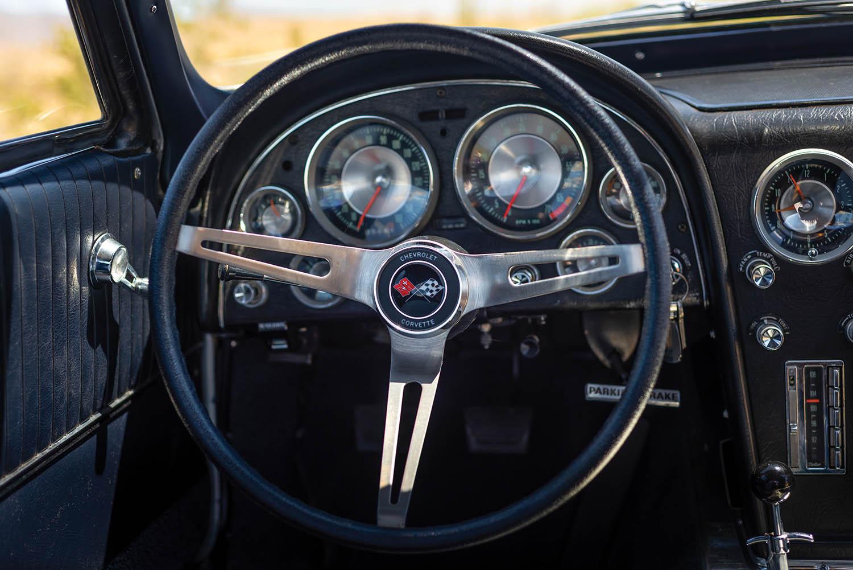 1963-Chevrolet-Corvette-Sting-Ray--Fuel-Injected-_11.jpg