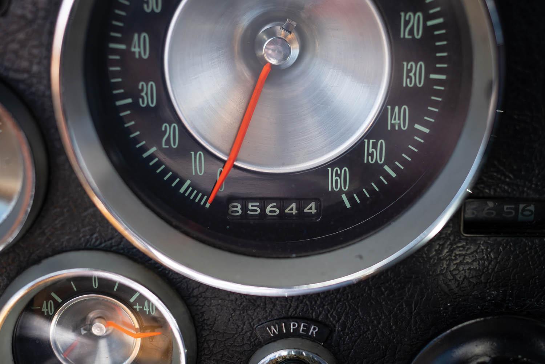1963-Chevrolet-Corvette-Sting-Ray--Fuel-Injected-_12.jpg