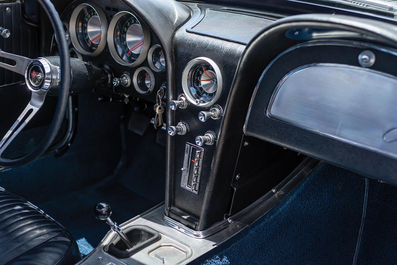 1963-Chevrolet-Corvette-Sting-Ray--Fuel-Injected-_13.jpg