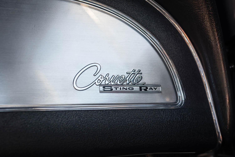 1963-Chevrolet-Corvette-Sting-Ray--Fuel-Injected-_15.jpg
