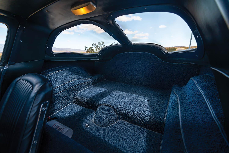 1963-Chevrolet-Corvette-Sting-Ray--Fuel-Injected-_16.jpg
