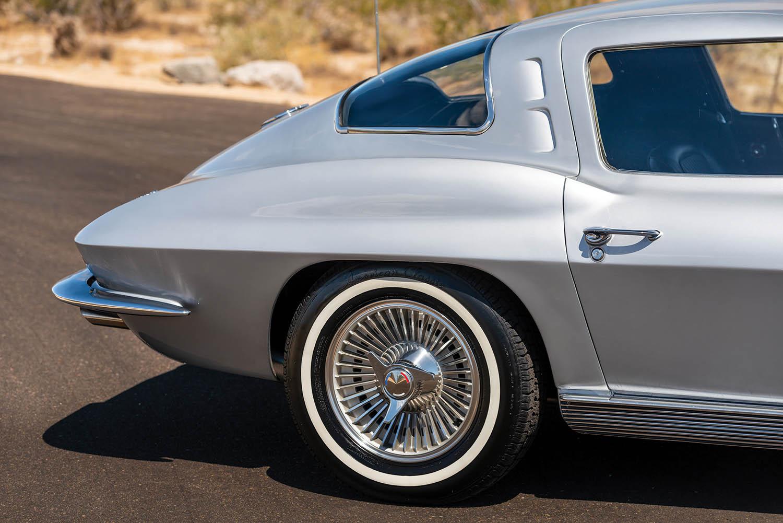 1963-Chevrolet-Corvette-Sting-Ray--Fuel-Injected-_22.jpg