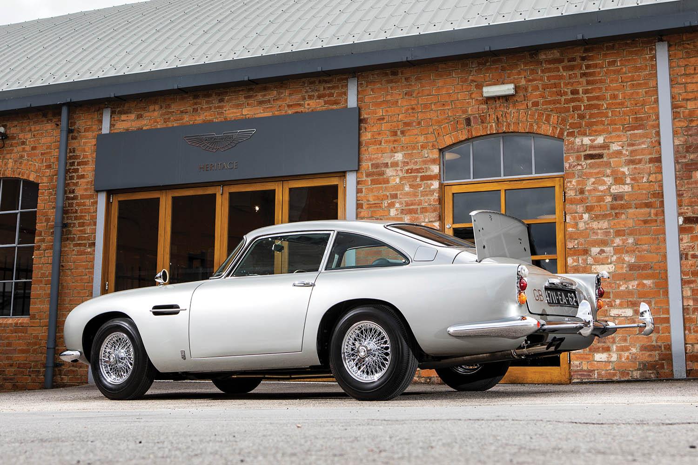 1965-Aston-Martin-DB5--Bond-Car-_1.jpg