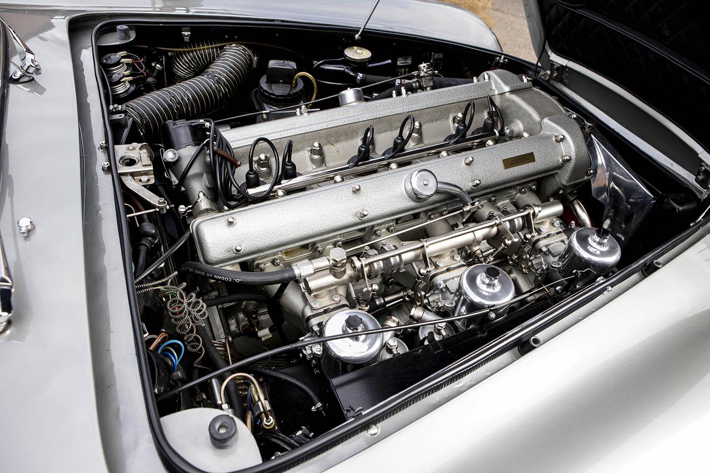 1965-Aston-Martin-DB5--Bond-Car-_2.jpg