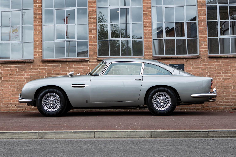 1965-Aston-Martin-DB5--Bond-Car-_4.jpg