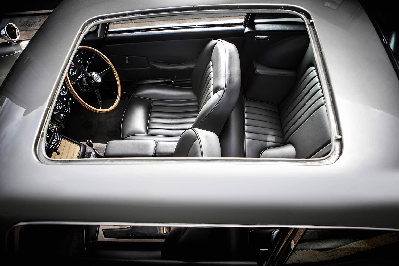 1965-Aston-Martin-DB5--Bond-Car-_16.jpg