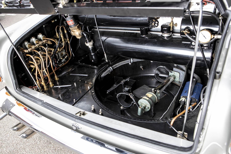 1965-Aston-Martin-DB5--Bond-Car-_29.jpg