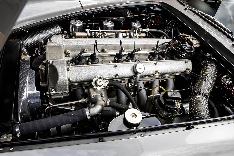 1965-Aston-Martin-DB5--Bond-Car-_35.jpg