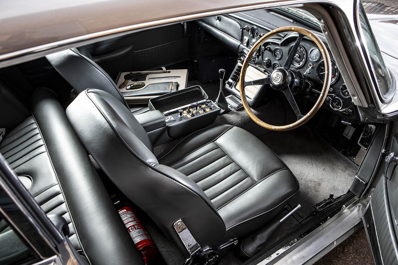 1965-Aston-Martin-DB5--Bond-Car-_10.jpg