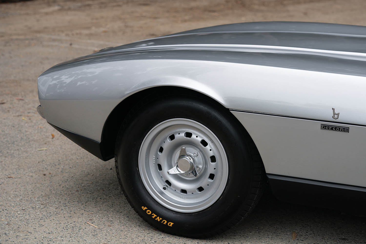 1967-Jaguar-Pirana-by-Bertone_25.jpg